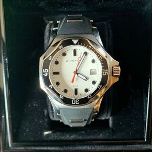 Givenchy Five Shark Analog Sport Watch
